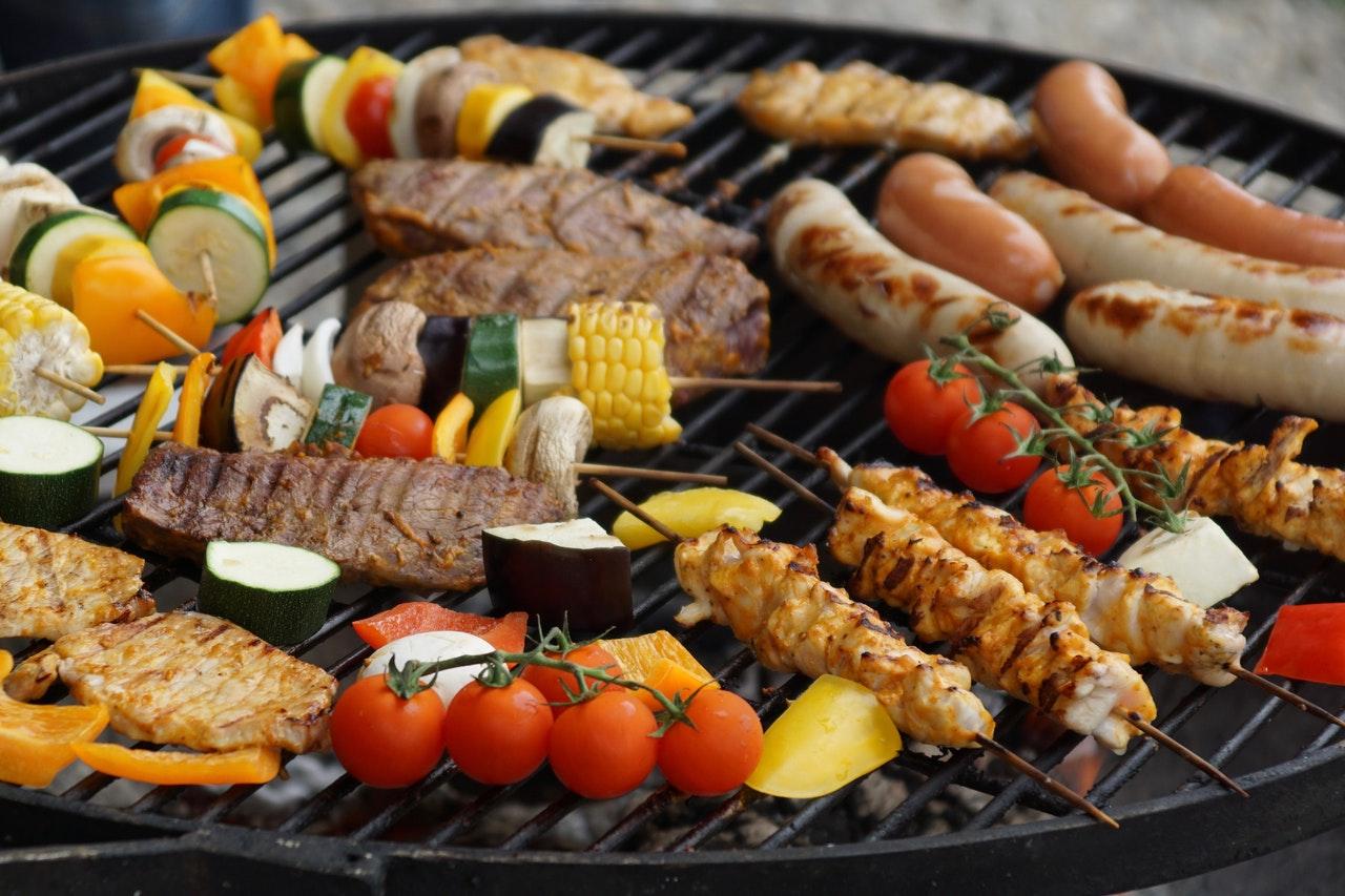 Que choisir entre le barbecue ou la plancha ?